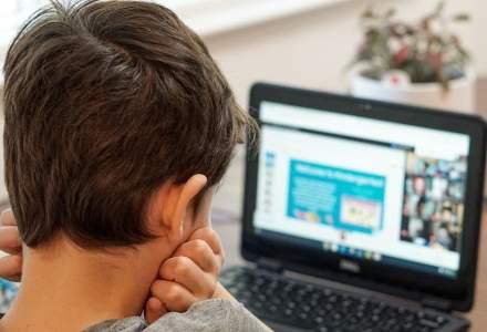 Cursuri online la mai multe școli din Bistrița-Năsăud, după ce au fost confirmate cazuri de COVID-19