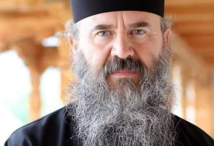 Starețul Mănăstirii Petru Vodă despre un candidat PNL: Când îl vedem, ne surâde inima