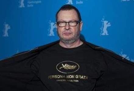"Aparitie inedita: Lars von Trier, regizorul Nymphomaniac, imbracat intr-un tricou cu textul ""persona non grata"""