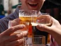 La Soci, primesti bere doar...