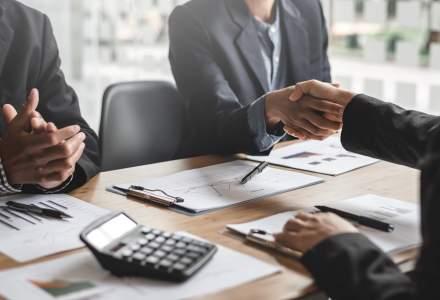 TRANZACȚIE: Raiffeisen Bank, BCR și BRD și-au împărțit în mod egal compania CIT ONE
