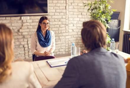 Cum să obții primul loc de muncă: sfaturi pentru a face față cu brio interviului de angajare