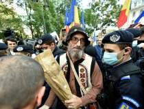 Protest anti-MASCĂ DE...