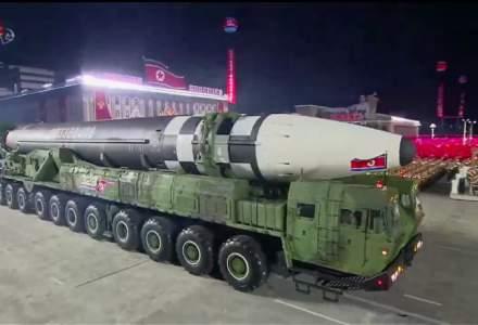 Coreea de Nord a SURPRINS cu o rachetă URIAȘĂ la parada militară de aniversare a partidului