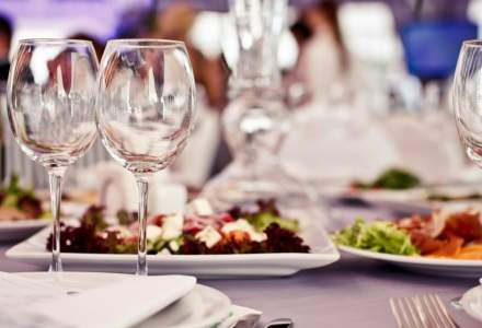 Restaurantele și cafenelele, în interiorul clădirilor, pot rămâne deschise până la 23.00