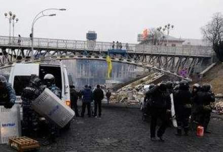 Prabusire iminenta: Ucraina are nevoie de ajutor financiar