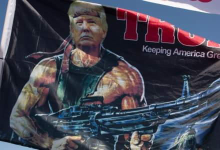 Donald Trump critică Twitter şi Facebook că au limitat vizibilitatea unui articol despre Joe Biden