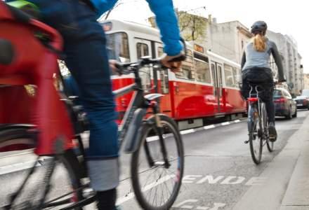 Soluţia găsită de Viena pentru combaterea COVID-19: livratori de teste pe biciclete