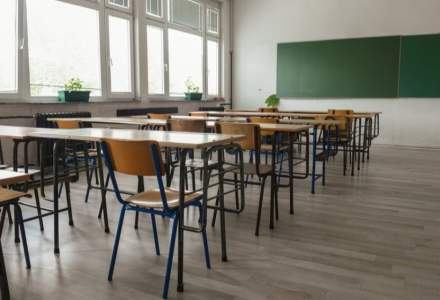 Mai multe unități de învătământ din București trec în scenariul roșu