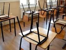 Numărul școlilor care...