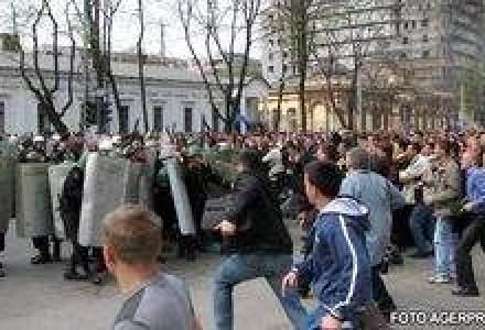 Puci in Moldova: Atentie, se rastoarna un regim politic!