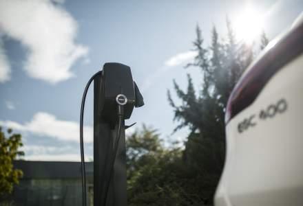 Mercedes-Benz România oferă o stație de încărcare la achiziționarea modelului EQC