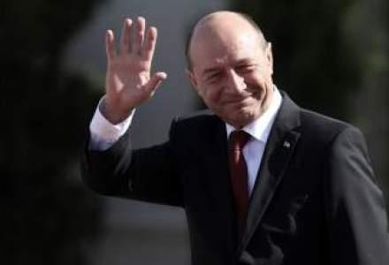Basescu a dat unda verde Legii terenurilor agricole
