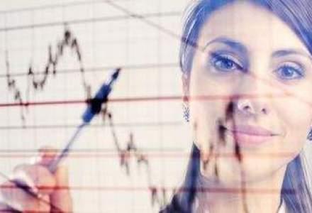 O femeie broker, suspectata ca a furat de la 48 clienti si a manipulat piata de capital
