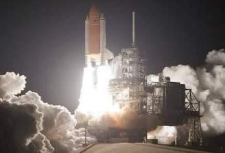 Stephen Hawking: Peste 50 de ani vom trai pe Luna si vom fi in drum spre Marte