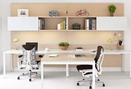 Scaunul de birou cu coloană vertebrală și coaste flexibile, care costă 8.000 de lei