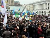 Kievul trimite doi ministri...
