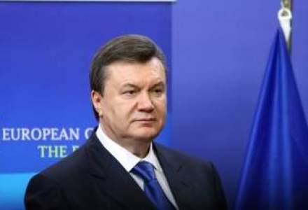 Mii de ucrainieni au manifestat pentru revenirea la putere a lui Ianukovici