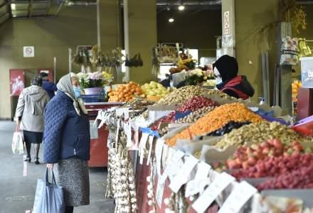 Parlamentul a decis ca piețele și târgurile să rămână deschise la interior