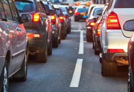 Marea Britanie va interzice vânzarea de automobile noi cu motoare pe benzină şi motorină începând din 2030
