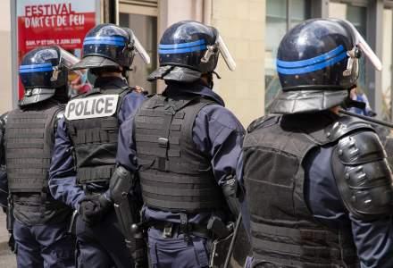 Petrecere cu 400 de tineri în Franța: poliția a folosit grenade pentru a o opri