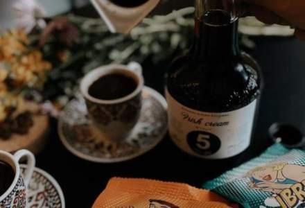 5 to go lansează paharul Retro, de 650ml, cu 3 shot-uri de cafea