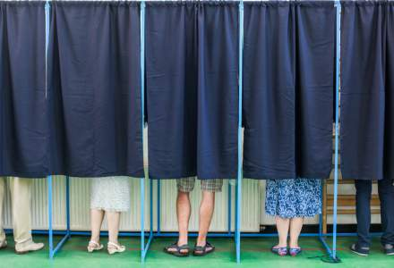 """Alegeri fără concerte cu vedete și """"atenții"""" pentru electorat. Ce restricții sunt impuse partidelor și cât poate să cheltuiască pentru un loc în Parlament"""