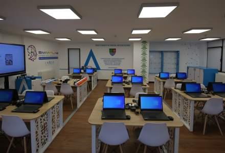 Elevii din Călărași au la dispoziție primul laborator inteligent din județ, o investiție care se ridică la 100.000 de euro