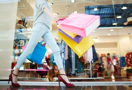 Pandemia i-a dezvățat pe români de window shopping. Stau mai puțin în mall, dar cheltuie mai mult