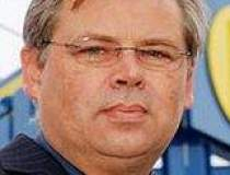 Guenter Vosskaemper steps...