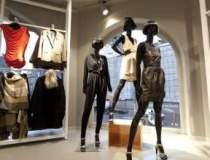 H&M deschide doua magazine in...