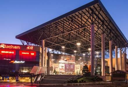 Din ce în ce mai puțini români în mall-uri