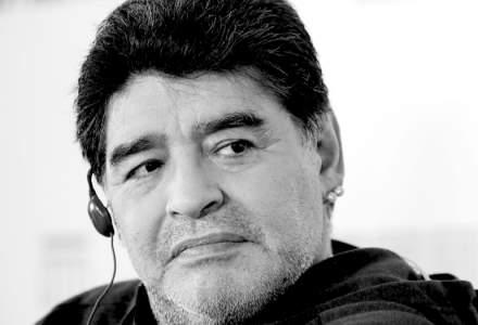 A murit celebrul fotbalist Diego Maradona