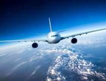 A aparut avionul care...