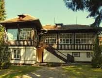 Istoria unei case parca...