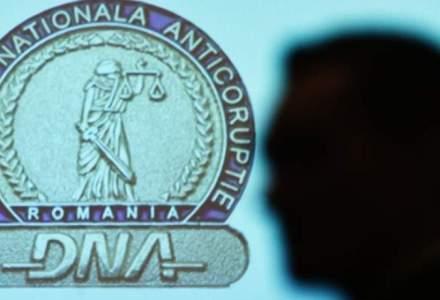 DNA: 67 de percheziții în București și cinci județe în trei dosare ce vizează infracțiuni de corupție și spălare de bani
