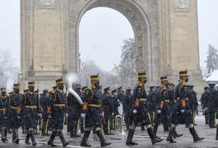 Bucureștenii au vrut să forțeze filtrul de jandarmi pentru a vedea ceremonia de 1 Decembrie
