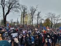 Protest la Chișinău: Mii de...