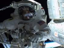 Primul selfie pe orbita: de...