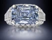 Diamant albastru, estimat la...