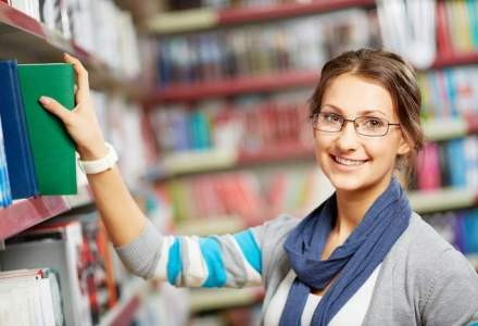 CAREER ADVICE: Pasionat de carti? Ce joburi poti obtine in librarii si edituri