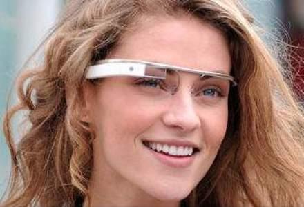 Profit de TOP: Google vinde ochelarii Glass cu 1.500 dolari, componentele costa 80 dolari