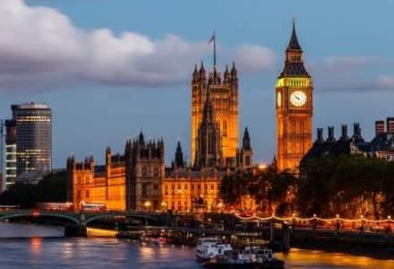 Londra intră în lockdown din cauza creșterii ratei de infectare cu coronavirus