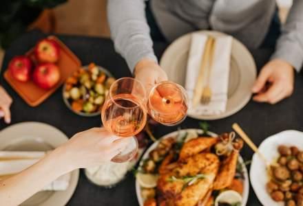 Care sunt cele mai potrivite vinuri pentru masa de Revelion. Recomandările unui somelier