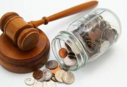 Fiscul din Grecia a amendat 25 de companii si afaceristi cu 142 mil euro, pentru facturi false