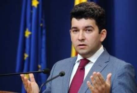 Voinea: Criza s-a terminat! Luati imprumuturi, investiti, consumati, Romania si-a revenit!