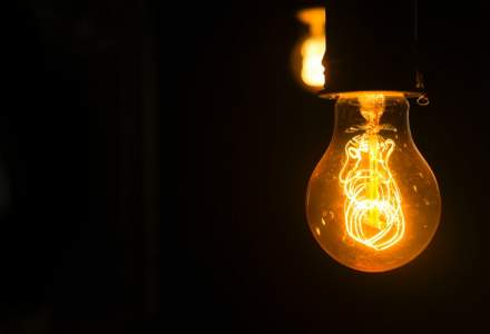 Cu cât se scumpește energia electrică de la 1 ianuarie 2021
