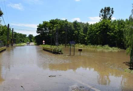 Cod roșu de inundații pe mai multe râuri din România