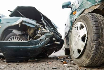 Peste 20 de maşini implicate într-un accident în lanţ pe centura Braşovului