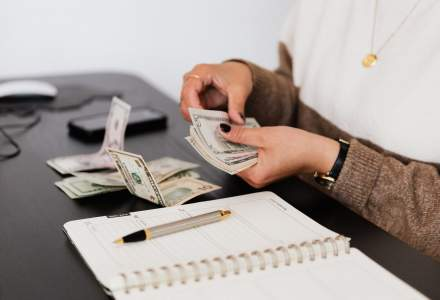 5 moduri în care îți poți crește economiile fără efort
